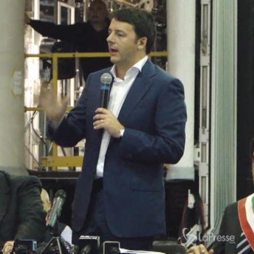 Renzi contestato a Reggio Calabria davanti all'Ansaldo Breda