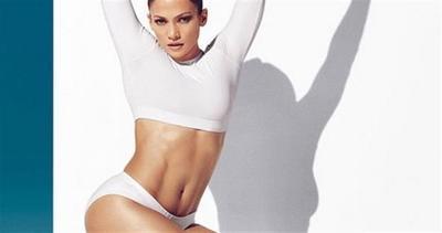 Jennifer Lopez mette in mostra un fisico mozzafiato