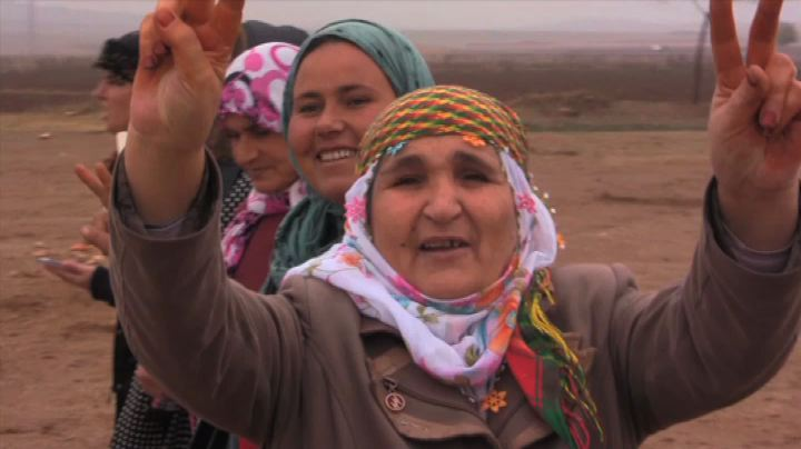 Isis, tra i rifugiati di Kobane: ogni giorno il saluto ai ...