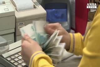 Borse volatili, Russia in soccorso rublo