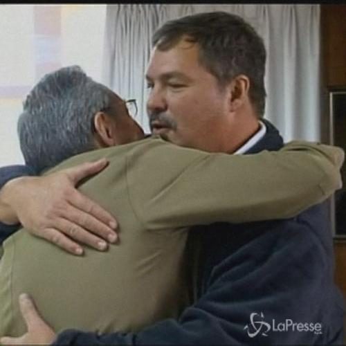 Cuba, l'arrivo dei tre agenti liberati