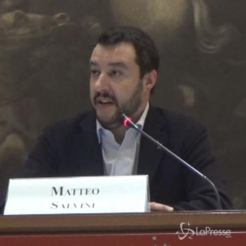 Salvini: Napolitano servo di Bruxelles, far da soli si puà