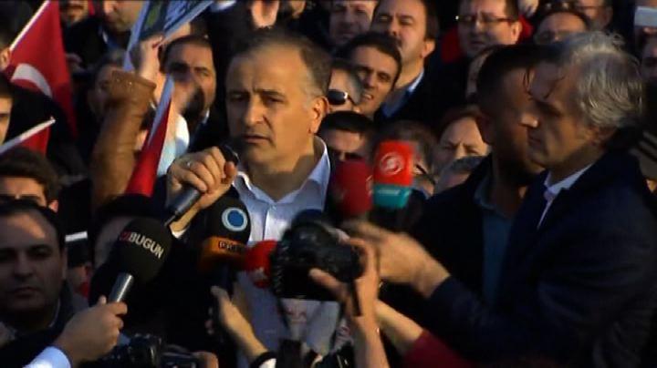 Turchia, liberato uno dei giornalisti anti-Erdogan