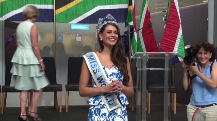 Miss mondo 2014 torna a casa, Rolene accolta come un'eroina ...