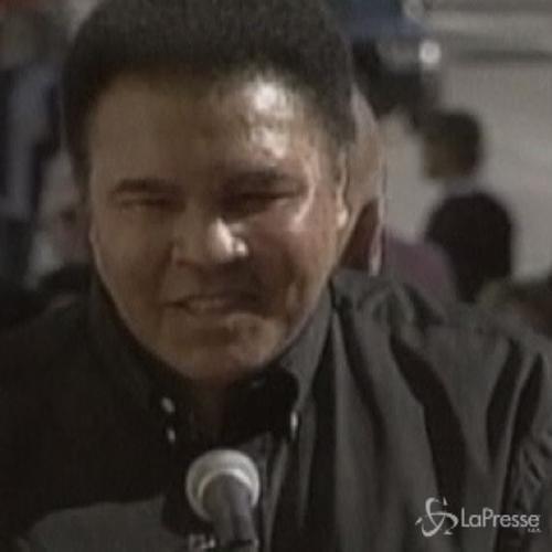 Ex campione di boxe Muhammad Ali in ospedale per polmonite  ...