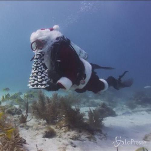 Babbo Natale diventa un sub per beneficenza