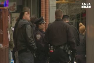 Agenti uccisi New York, rivolta polizia contro De Blasio    ...