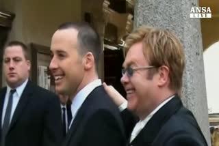 Elton John ha detto Si', festa e' per tutti online