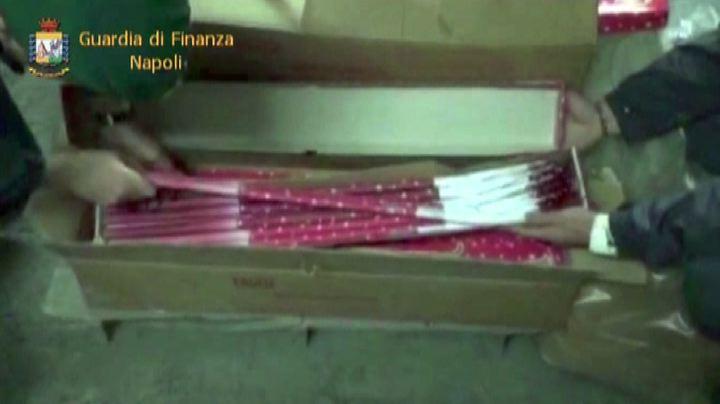 Napoli, maxi-sequestro di botti illegali: oltre una ...