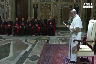 Il papa chiede perdono per gli scandali