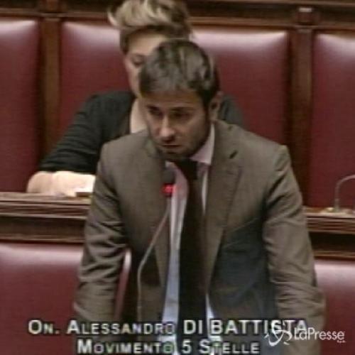 Di Battista: Deputati Forza Italia si ribellino, Berlusconi salva suoi interessi