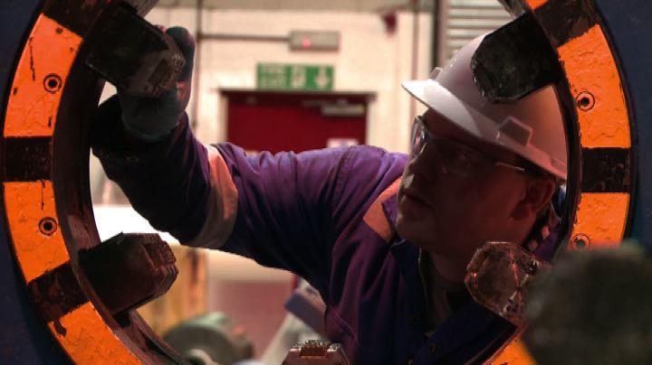Petrolio, crollo dei prezzi minaccia l'economia del Mare ...
