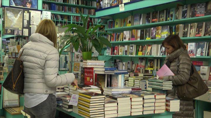 Calano ancora i lettori in Italia, ma stabile spesa per ...