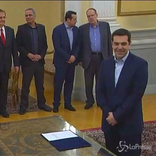 Tsipras giura da premier davanti a Papoulias e incontra ...