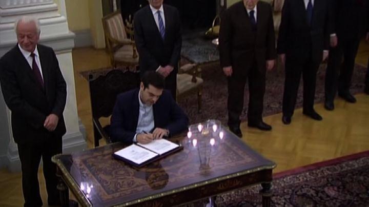In Grecia il giuramento di Tsipras: ora è premier - Nude ...