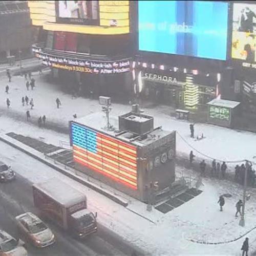 L'arrivo a New York della tempesta di neve in time lapse, ...
