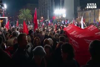 Parte l'era Tsipras, alleato e' destra populista