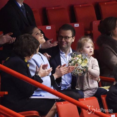 La principessina Estelle di Svezia incantata: con mamma ...