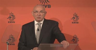 Figo sfida Blatter per la presidenza FIFA