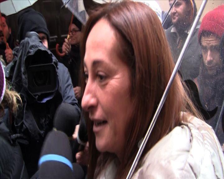 Quirinale, Paola Taverna (M5S) finisce nella protesta: ...