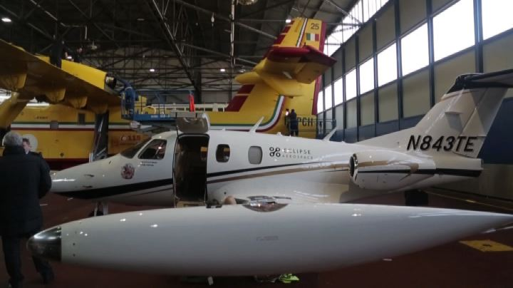 In Italia l'Eclipse 550, il jet bimotore efficiente e ...