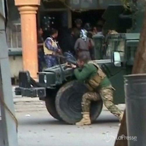 Isis, le impressionanti scene di guerra in un hotel a ...