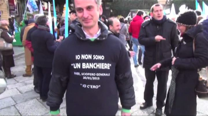 Bancari in sciopero: cortei a Milano, Palermo, Roma e ...