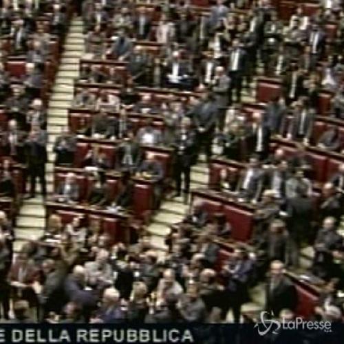 Mattarella è il nuovo capo dello Stato, applauso al ...