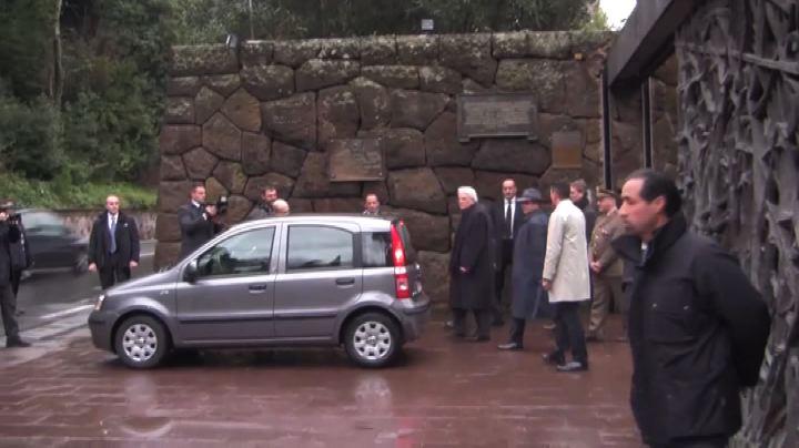 Mattarella alla Fosse Ardeatine, prima tappa da Presidente  ...