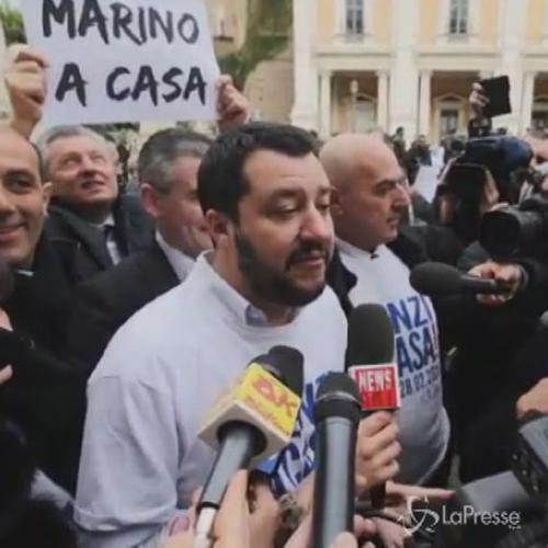 Salvini e la Lega manifestano a Roma: Marino è calamita ...