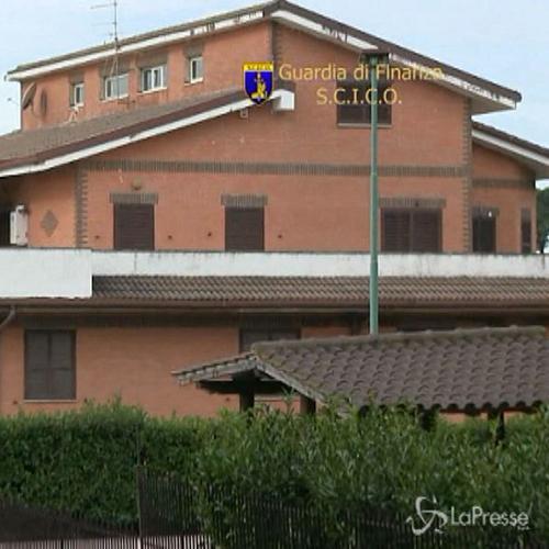 Roma, truffe immobiliari da decenni: confiscati beni per 18 ...