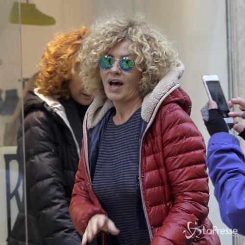 Giornata di shopping a Roma per Eva Grimaldi e Roberta ...