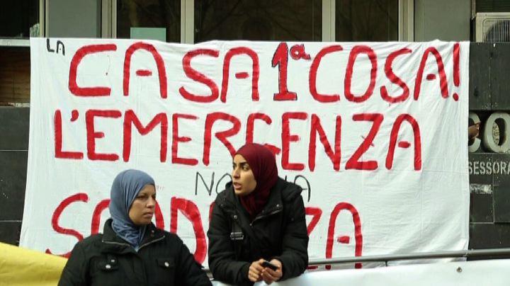 """""""Dateci una casa"""", protesta in Viale Manzoni a Roma -Nude ..."""