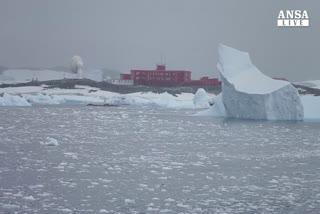 Polo sud, accelera lo scioglimento