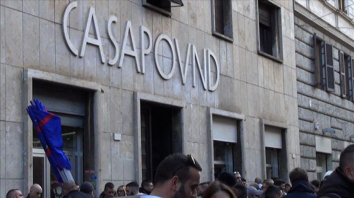 Corteo CasaPound, militanti a manifestazione Lega -NudeNews ...