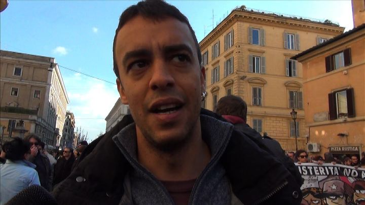 "Roma, corteo #MaiConSalvini: ""Splende un sole antifascista"" ..."