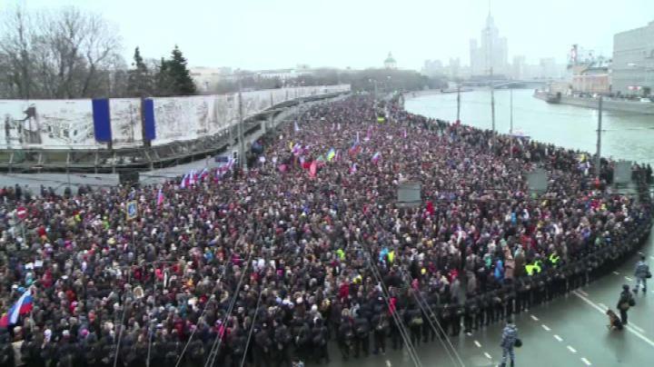 Russia, Mosca sgomenta commemora Nemtsov con marcia-fiume   ...