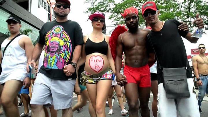 """Colombia in mutande per la """"giornata senza pantaloni"""""""