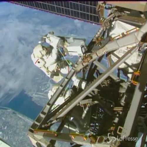 Terza passeggiata spaziale in 8 giorni per 2 astronauti ...