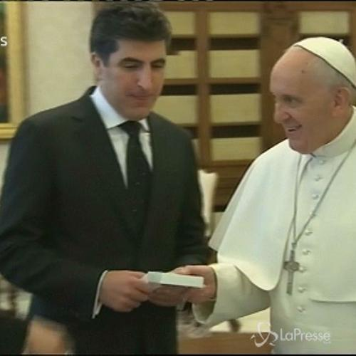 Papa riceve presidente Kurdistan iracheno e dona medaglie ...