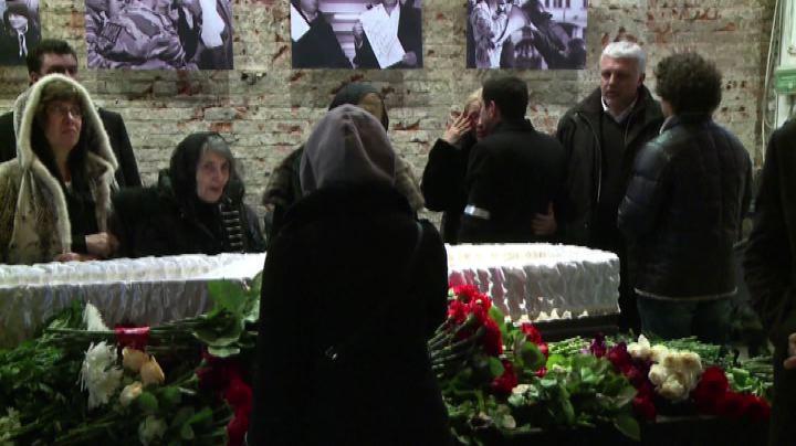 Russia, l'omaggio dei moscoviti alla salma di Nemtsov - ...