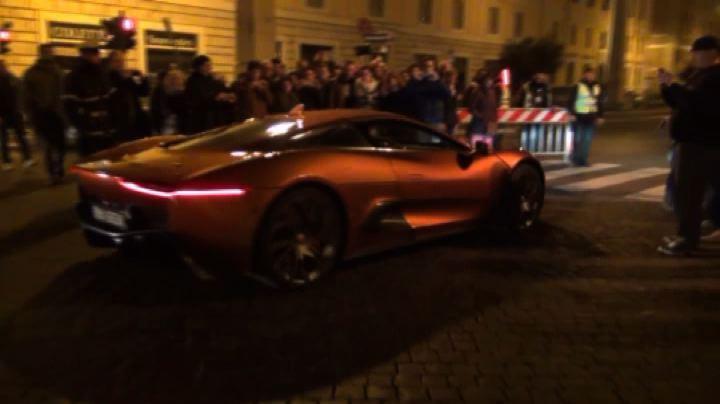 Il set di James Bond arriva in Vaticano
