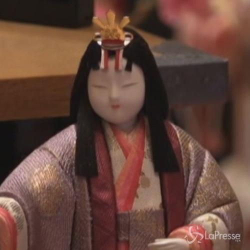 Bambole tradizionali invadono il Giappone per la festa ...