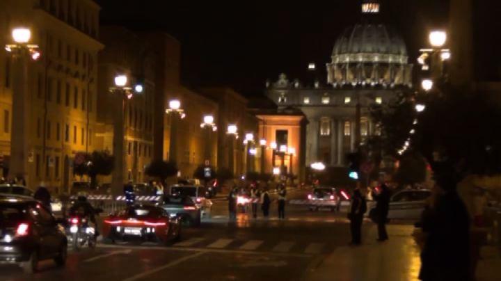 Arrivano super-bolidi, Vaticano ostaggio del set di James ...