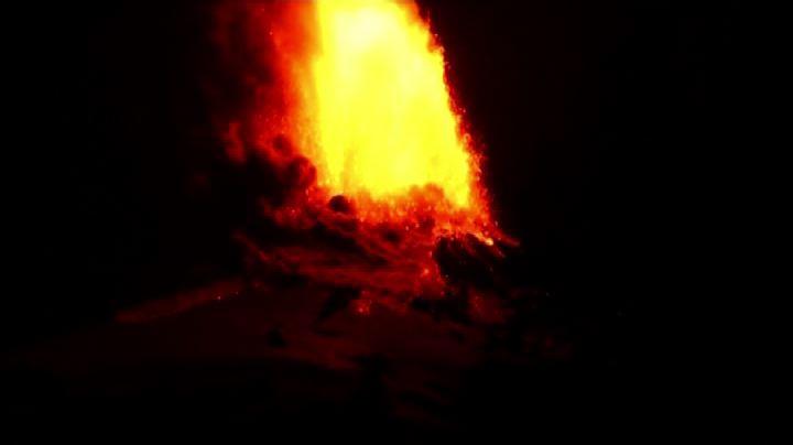 Cile, la spettacolare eruzione del vulcano Villarica - Nude ...