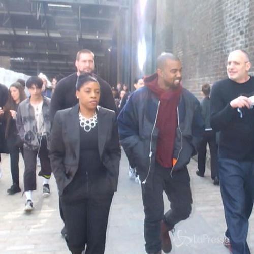 Aspirante Picasso Kanye West in visita all'Art College di ...