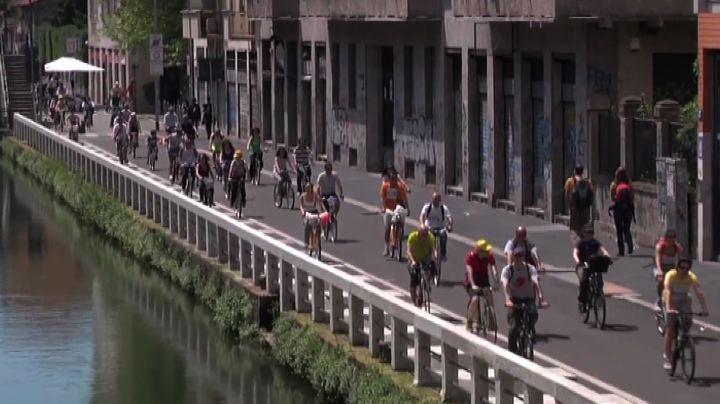 L'orgoglio dei ciclisti milanesi: Cyclopride per Expo in ...