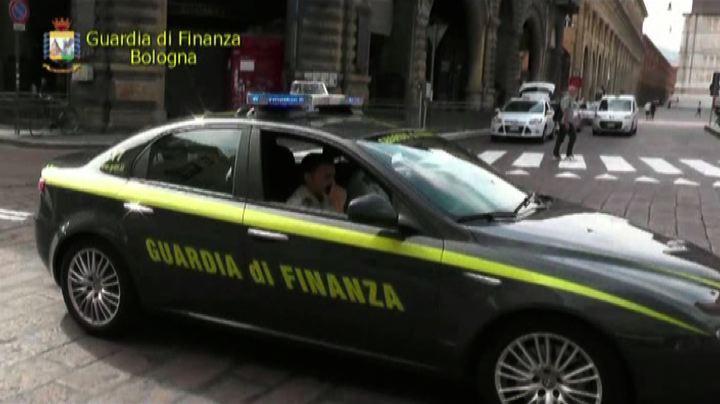Bologna, nullatenenti ma nel lusso: sequestrati beni a ...
