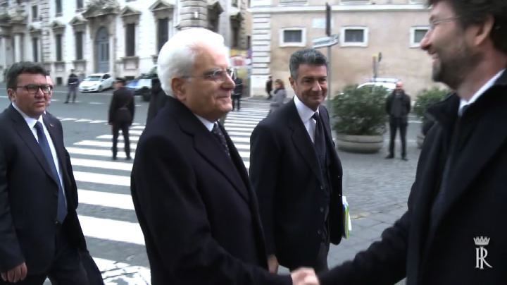 Mattarella inaugura la sua prima mostra alle Scuderie