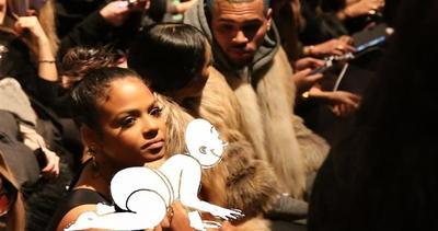 Chris Brown è diventato papà, ma Rihanna non ci crede     ...